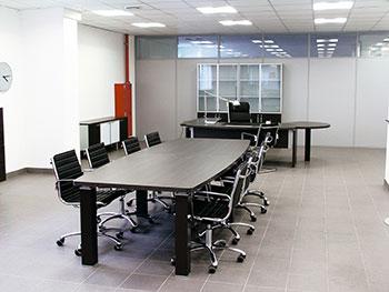 Размер, форма и цвет столов для заседаний