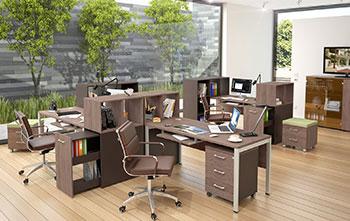 Виды офисных столов с тумбой